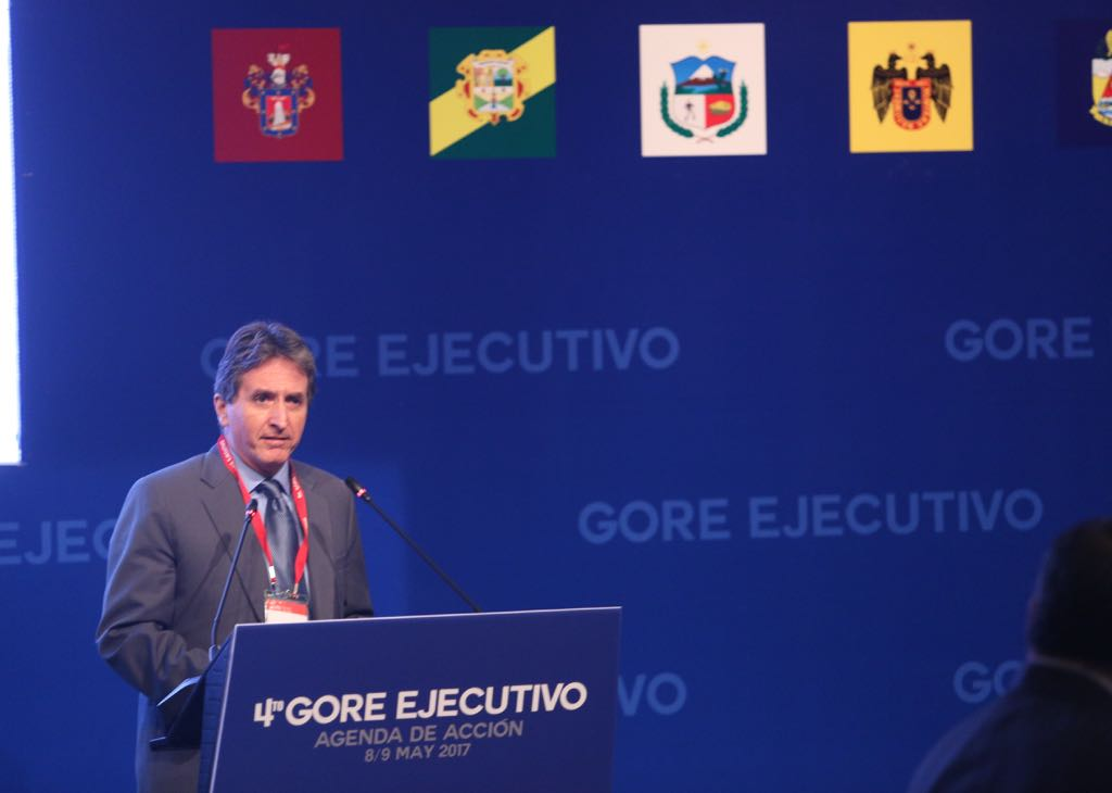 """Pablo de la Flor: """"La reconstrucción aspira a colocar en el centro del proceso a la población"""""""