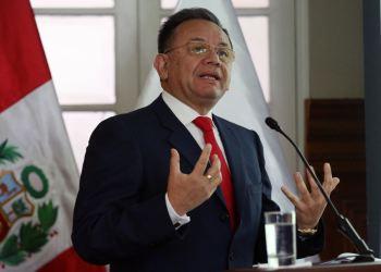 """Edgard Alarcón acusó al gobierno de querer un contralor """"a su medida""""."""