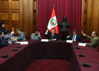 Grupo que investiga al Contralor Alarcón presentará mañana informe final.