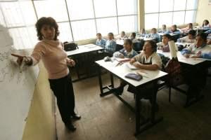 Familias piden a Defensoría interceder por derecho de niños y jóvenes a la educación
