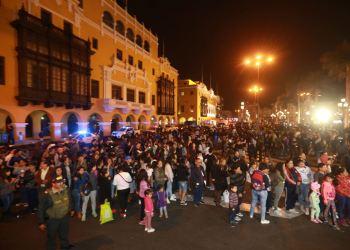 Simulacro de sismo frente a Palacio de Gobierno