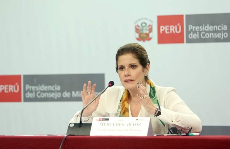 La premier Mercedes Aráoz confirmó que el Ejecutivo irá al TC por la Ley de las pensiones a los jubilados de la PNP y FF.AA.