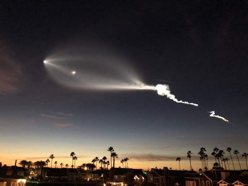 La estela de un cohete en el cielo de California que desconcertó a millones de testigos