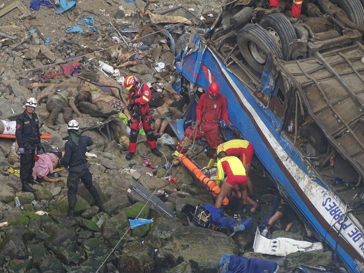 Fiscalía investiga accidente en Pasamayo que dejó 48 muertos