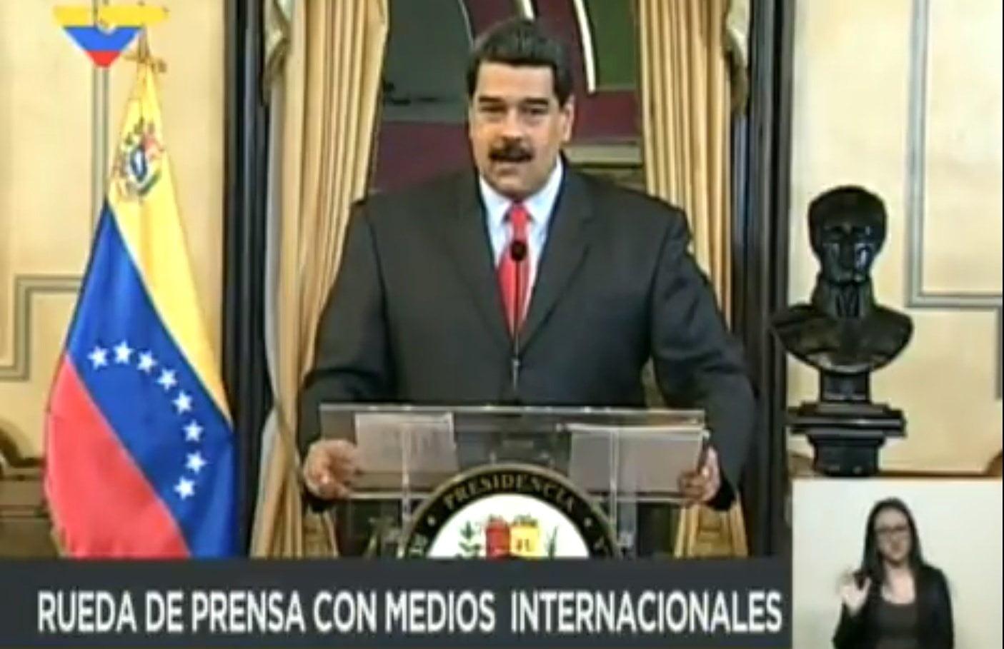 Nicolá Maduro con prensa internacional