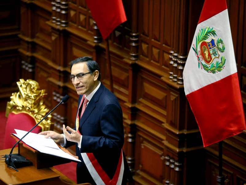 Martín Vizcarra juramentó como presidente del Perú