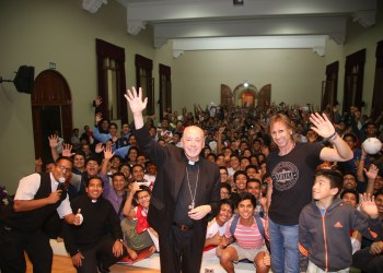 Cardenal Juan Luis Cipriani y Ricardo Gareca