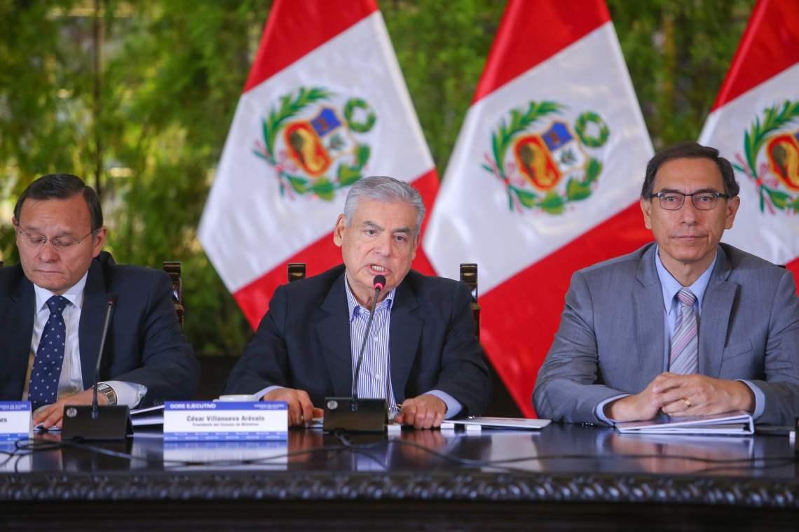 El premier Villanueva anunció que el gobierno recortará los gastos que no generan productividad al país.