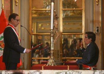 Vicente Zeballos juró hoy como nuevo ministro de Justicia