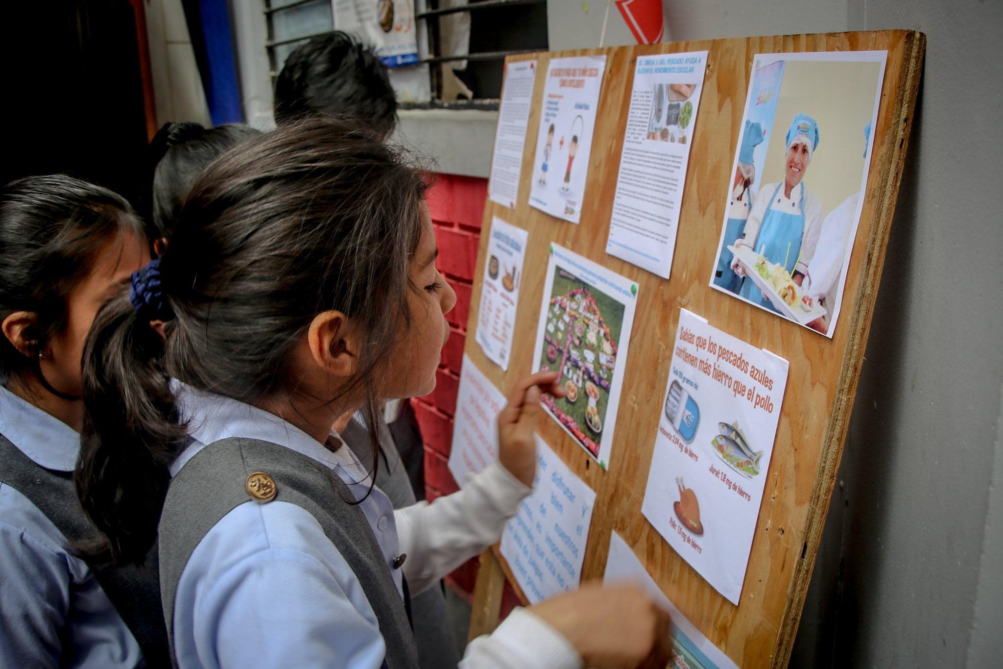 Beneficios del consumo de pescado en la inteligencia de los niños.
