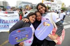 """""""El Abrazo más Grande del Perú"""" que organizó el Minsa contra el suicidio"""