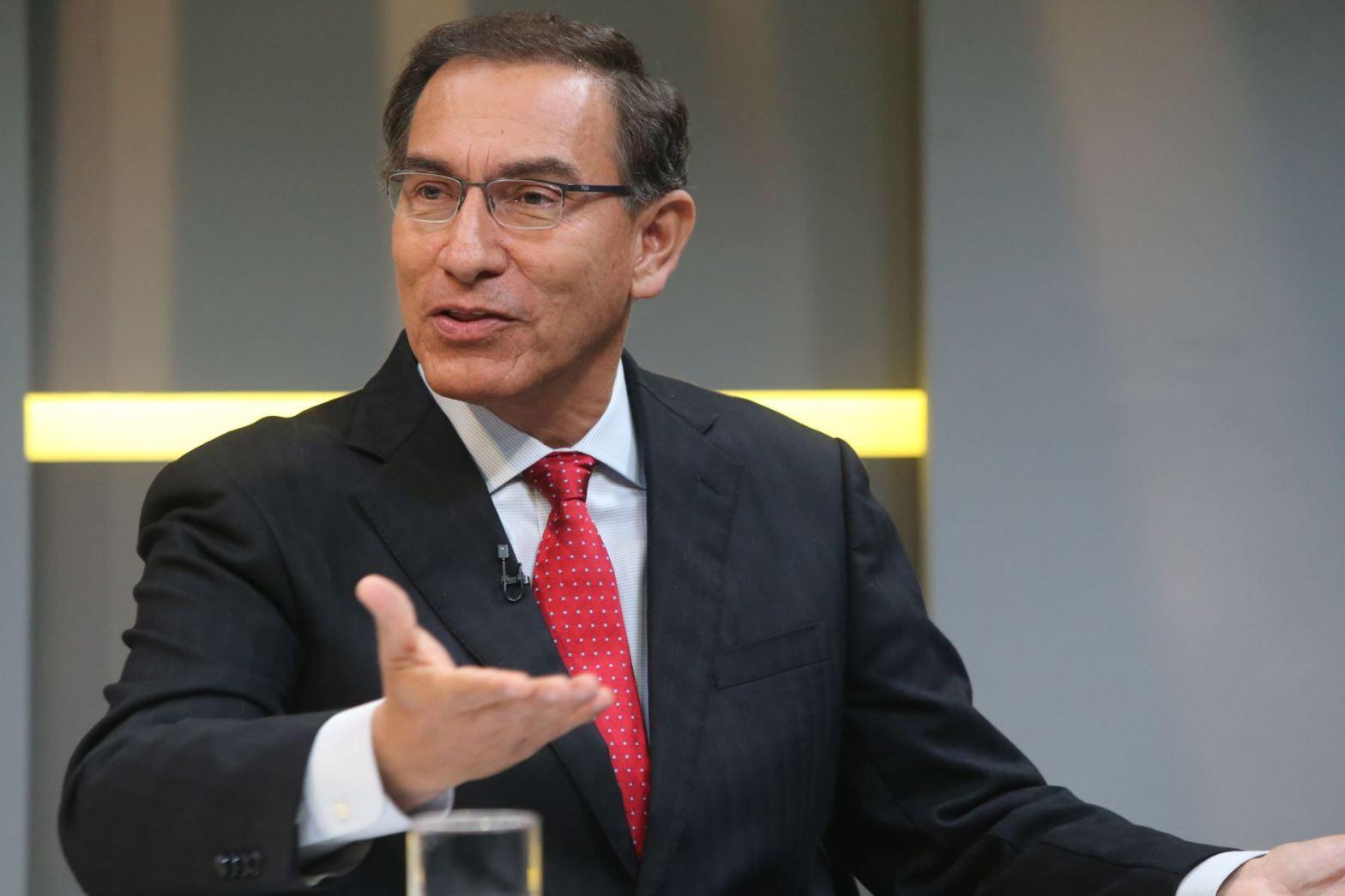 Martín Vizcarra en TV Perú