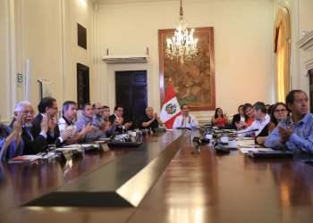"""Martín Vizcarra a electores tras referéndum: """"no los vamos a defraudar"""""""