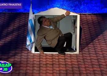 Alan abandonó así embajada de Uruguay, al estilo del Wasap de JB