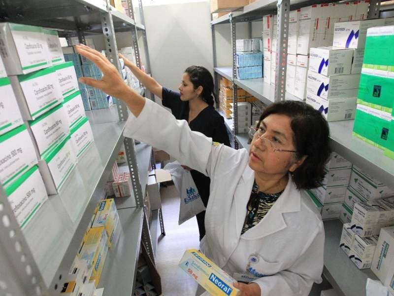 EsSalud comprará medicamentos en el extranjero para sincerar precios en el mercado nacional
