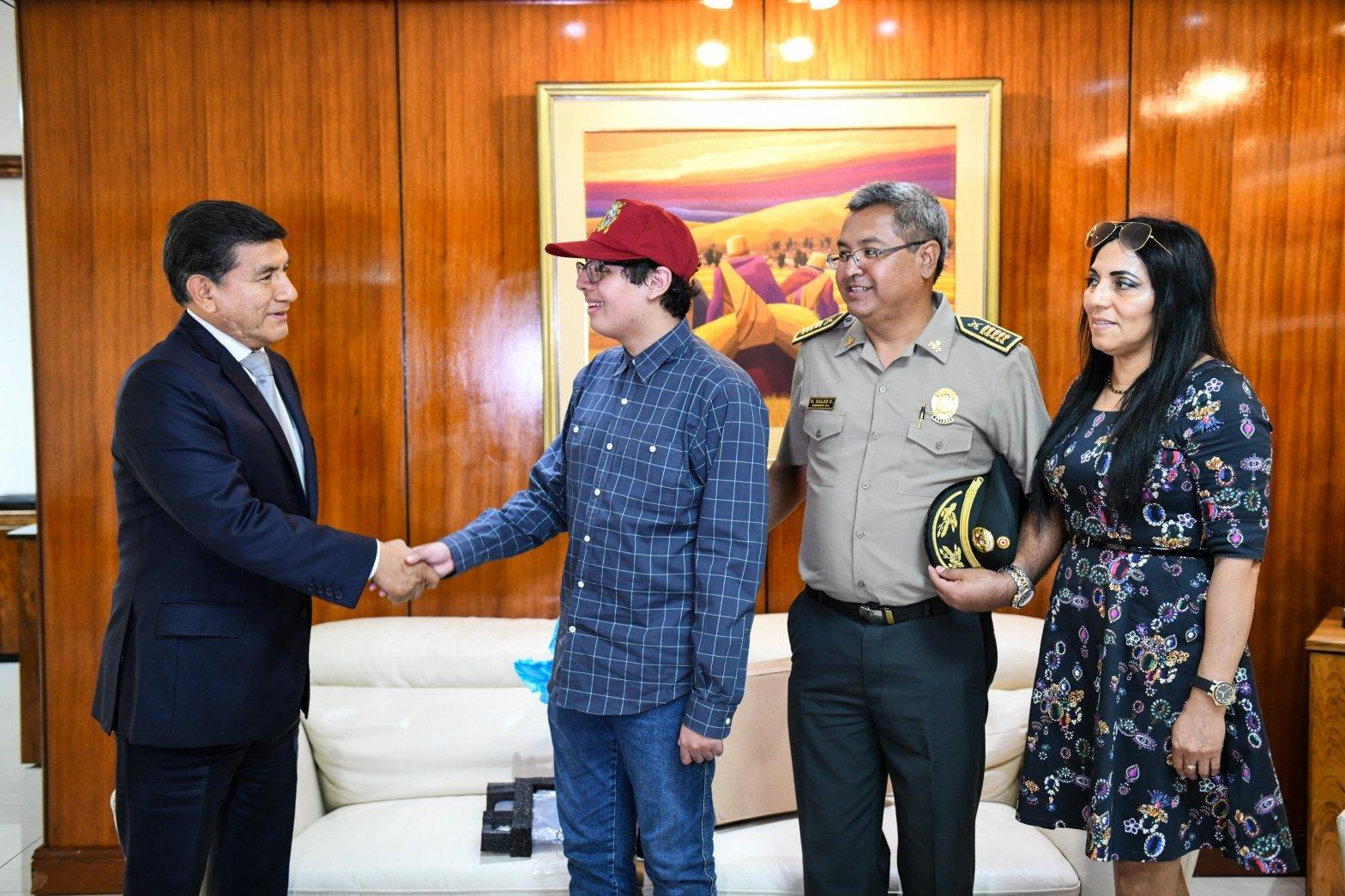 Mininter felicitó a primer puesto de San Marcos por ser orgullo de familia policial
