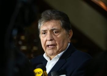 Alan García dice que 'sería una injusticia' que ordenen su detención