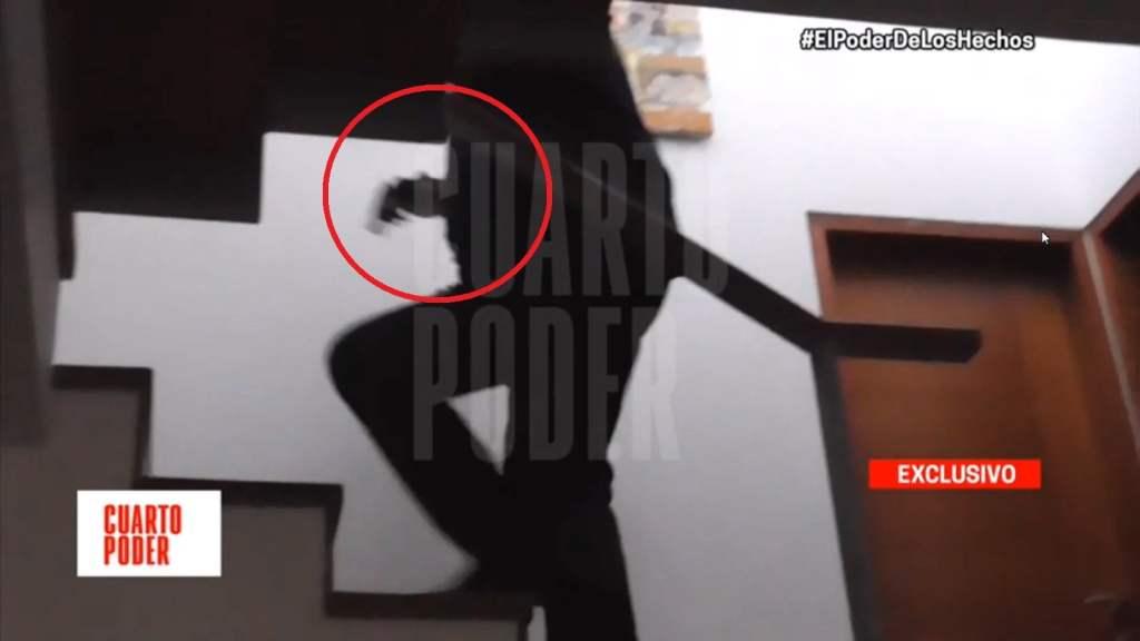 Alan García y arma de fuego