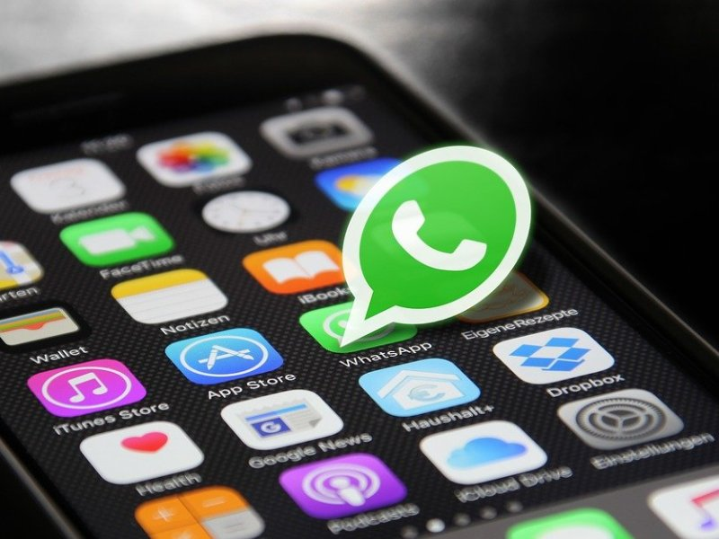 'Cambie el color del WhatsApp' es engaño y te pueden hackear