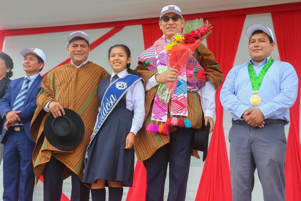 Jefe de Estado obras de infraestructura en la IE María Auxiliadora, distrito de Quinua (Huamanga, Ayacucho)