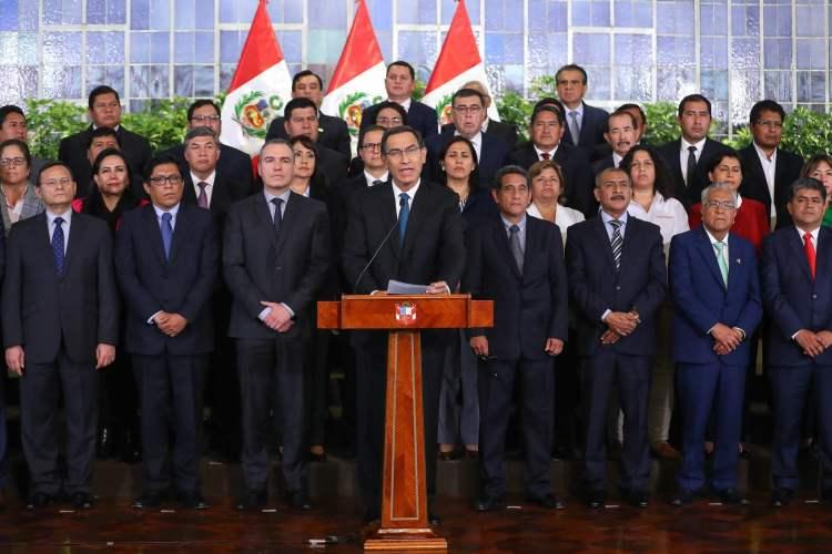 Martin Vizcarra: 'Ejecutivo presentará cuestión de confianza al Congreso'