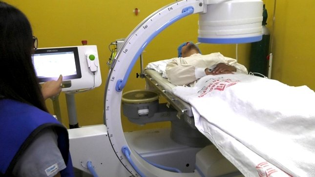 Pacientes dicen adiós a los cálculos renales con equipo de alta tecnología