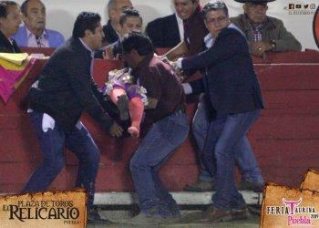 Torera mexicana está grave tras sufrir terrible cornada   VIDEO