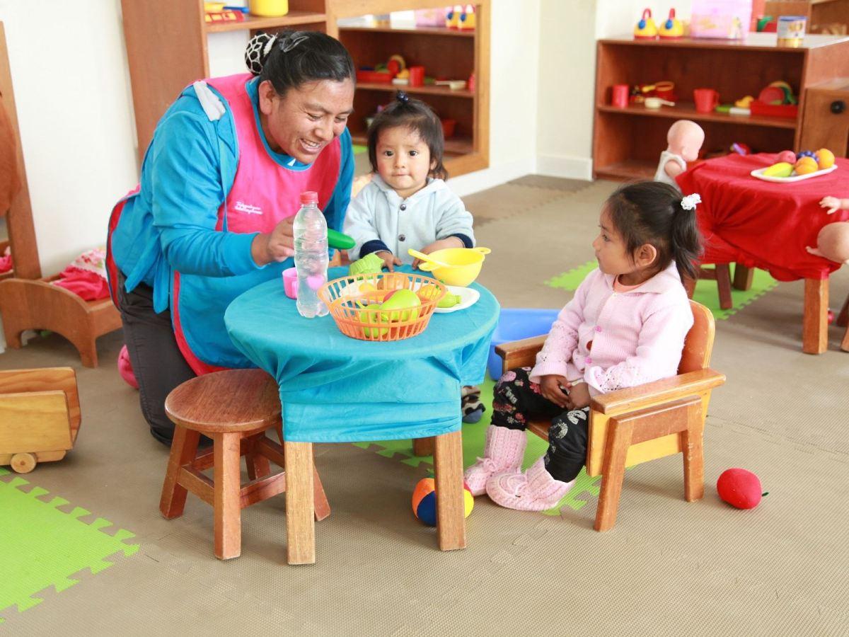 Madres cuidadoras serán certificadas por programa Cuna Más