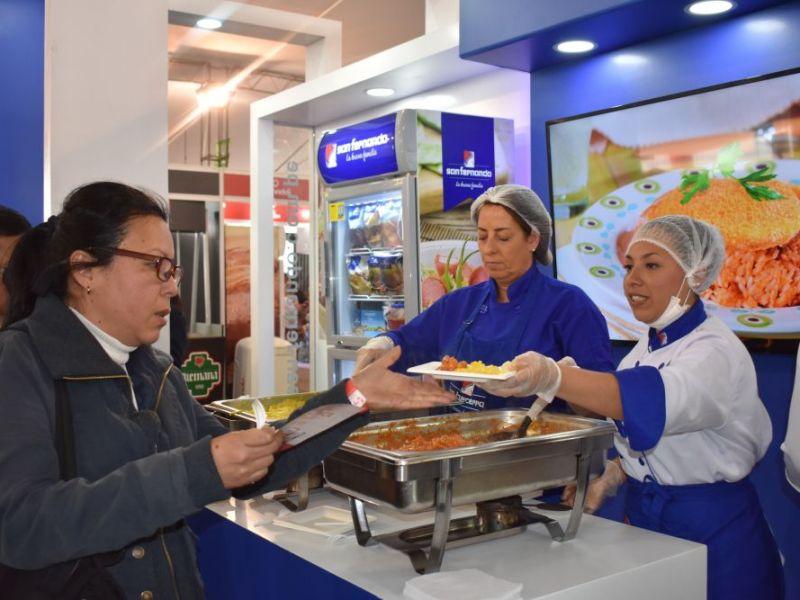Demanda de pollo a la brasa impulsa ventas de emprendedores gastronómicos