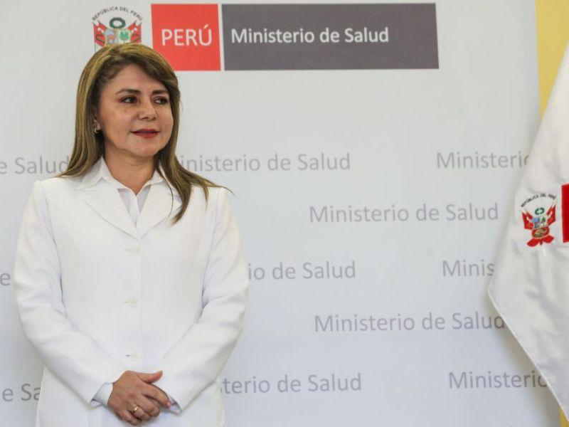 Nueva ministra de Salud Elizabeth Hinostroza asumió hoy su cargo