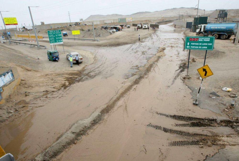 13 distritos de Lima en emergencia ante riesgo de inundaciones