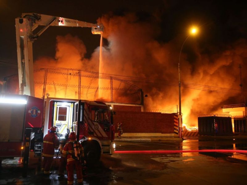 25 incendios en Lima una hora después de recibir el Año Nuevo 2020