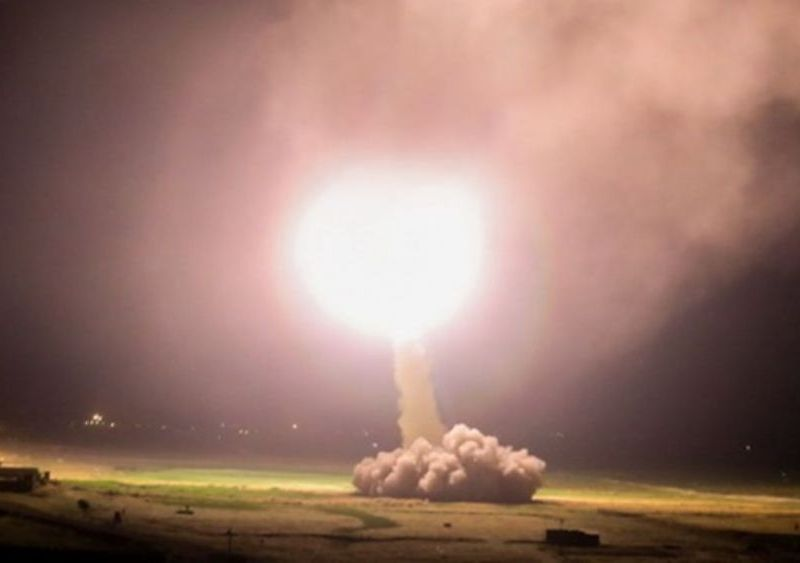 Irán difunde videos del lanzamiento de misiles contra base militar de EE.UU.