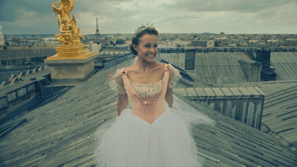 """Disney Channel estrena su nueva serie """"Encuéntrame en París"""""""
