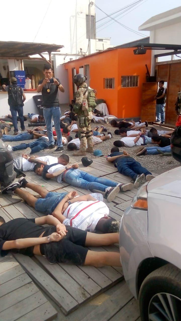 Algunos extranjeros intentaron disparar a la policía