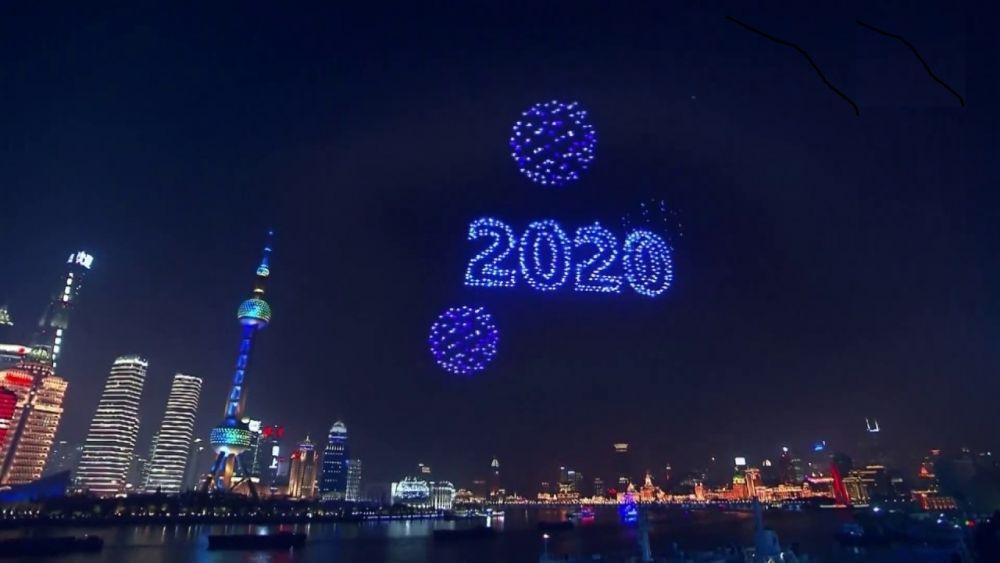 Shanghai festejó el 2020 con un imponente show de 2000 drones