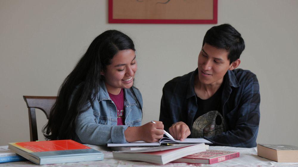 Alumnos de universidades no licenciadas: ¿Cómo postular a una beca de traslado?