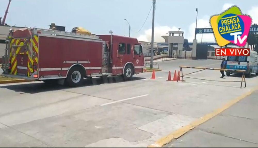 Gran incendio se registra en la Base Naval de Callao