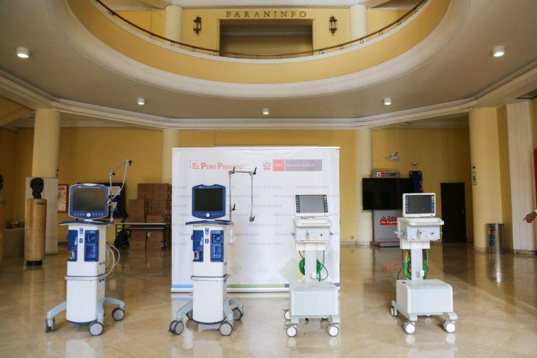 Entregan 8 ventiladores mecánicos reparados para implementar más camas UCI