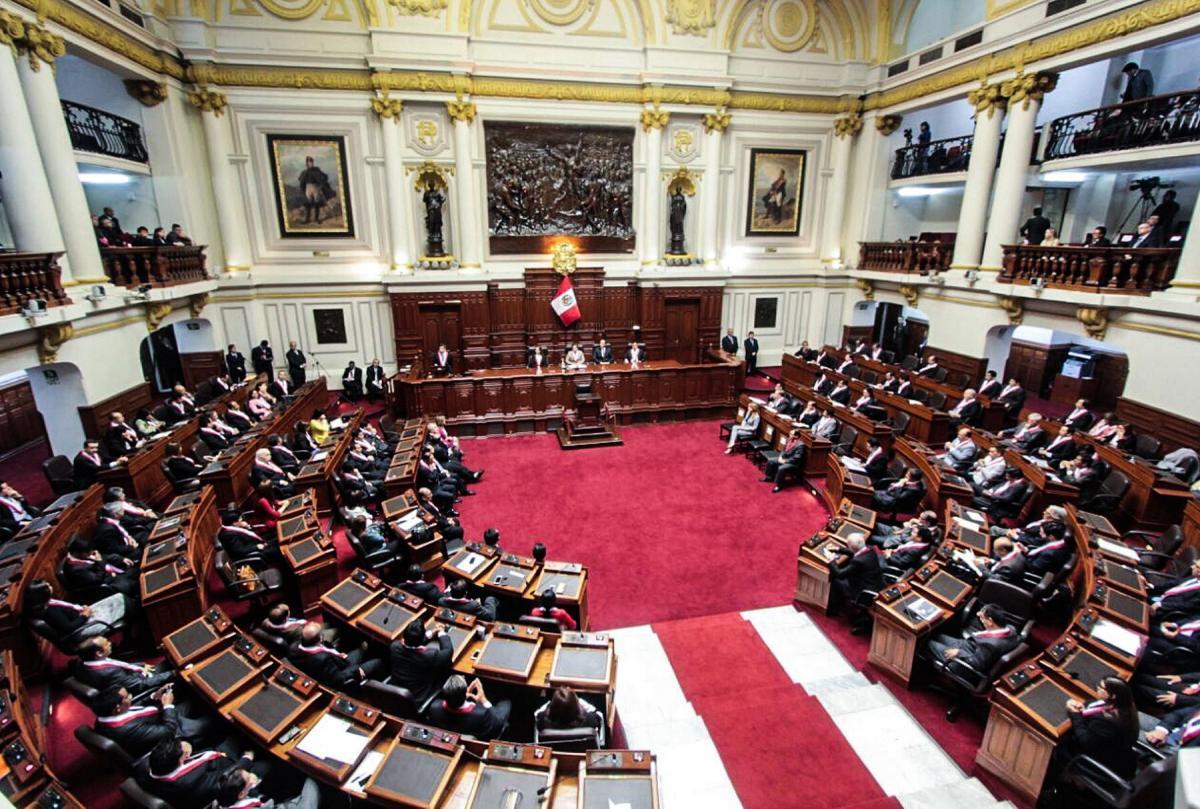 Frente Amplio denunció que quieren aprobar ley para sacar corruptos de la cárcel