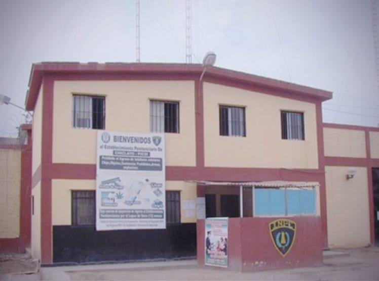 Incautan chips telefónicos que pretendían ingresar a penal de Chiclayo