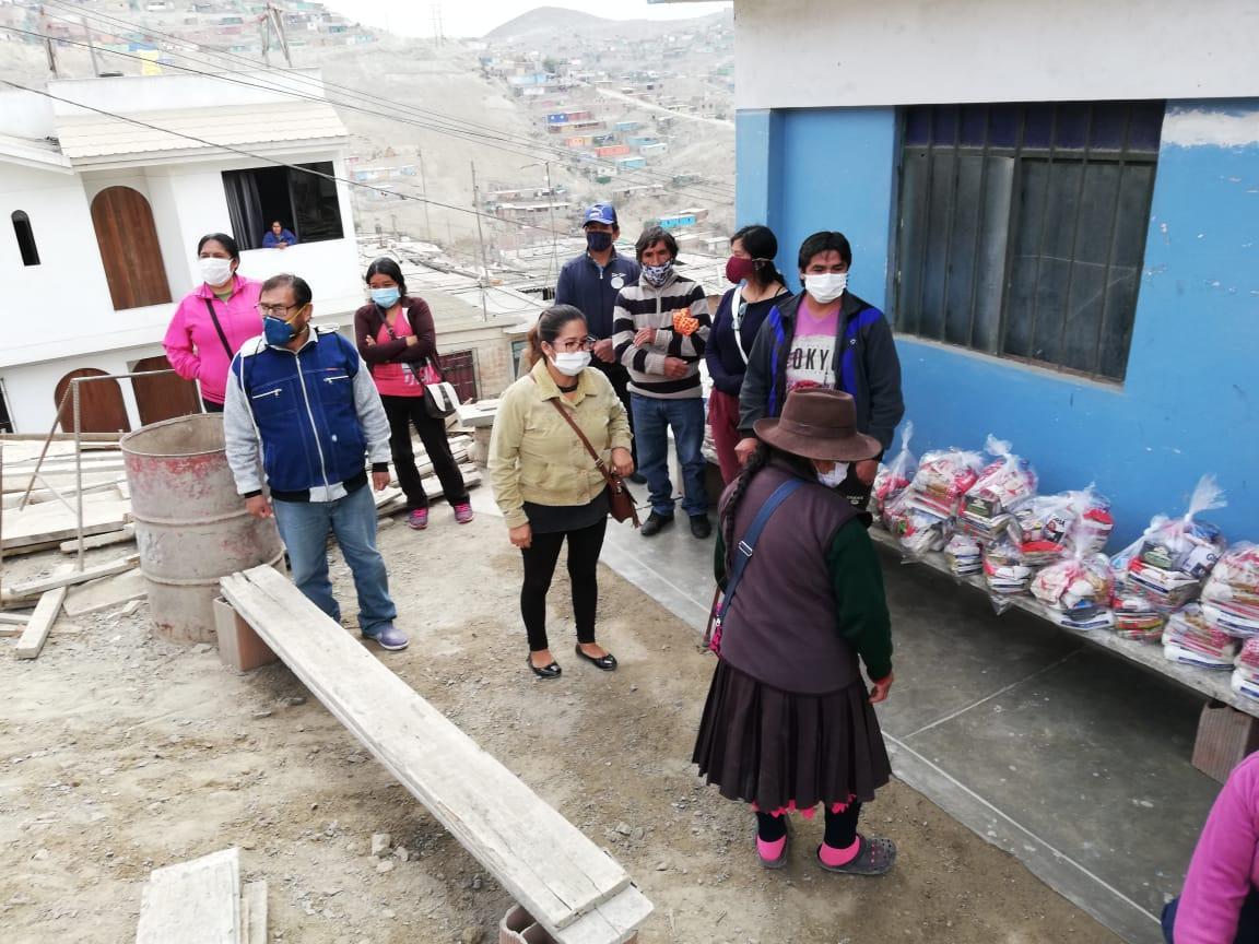 CONFIEP entrega alimentos al Ministerio de la Mujer para familias de Manchay