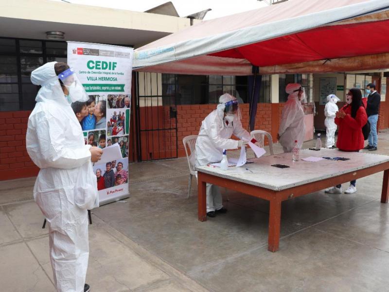 Ministerio de la Mujer entregó canastas a 1,564 familias vulnerables usuarios de Inabif