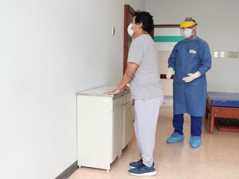 Minsa: Pacientes que sobrevivieron al COVID-19 deben hacer ejercicios en casa