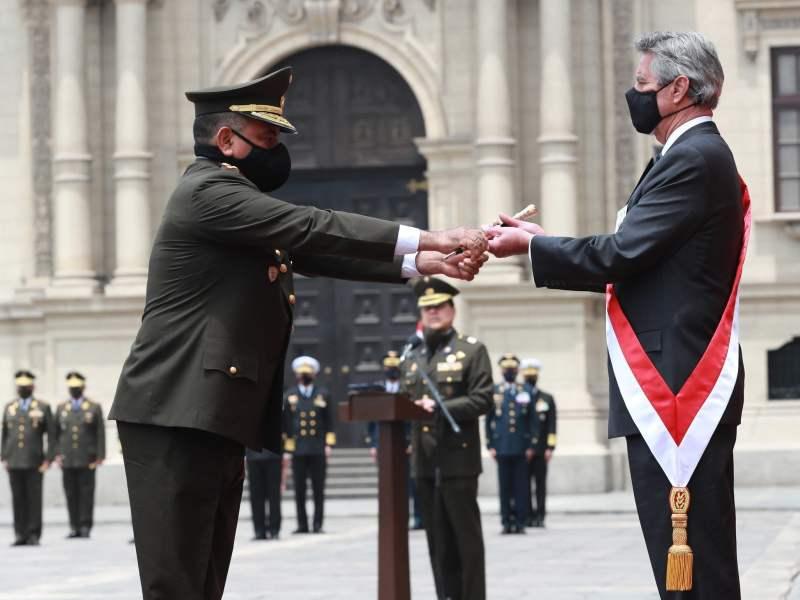 Francisco Sagasti fue reconocido como Jefe Supremo de las Fuerzas Armadas y Policía Nacional