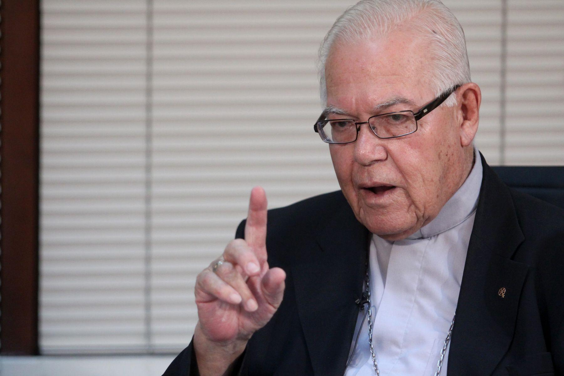 Hoy falleció monseñor Luis Bambarén a causa del COVID-19