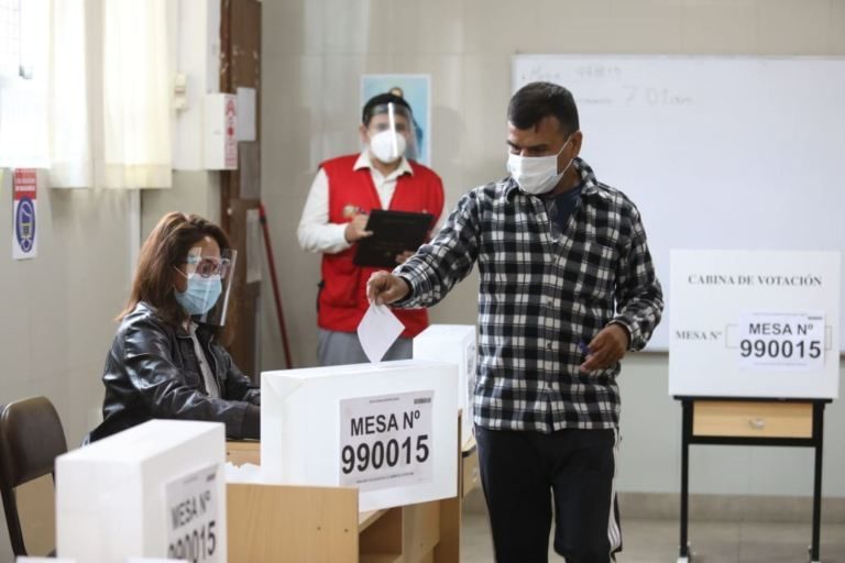 Elecciones 2021: 25 millones de peruanos eligen hoy presidente, 130 congresistas y 5 parlamentarios andinos