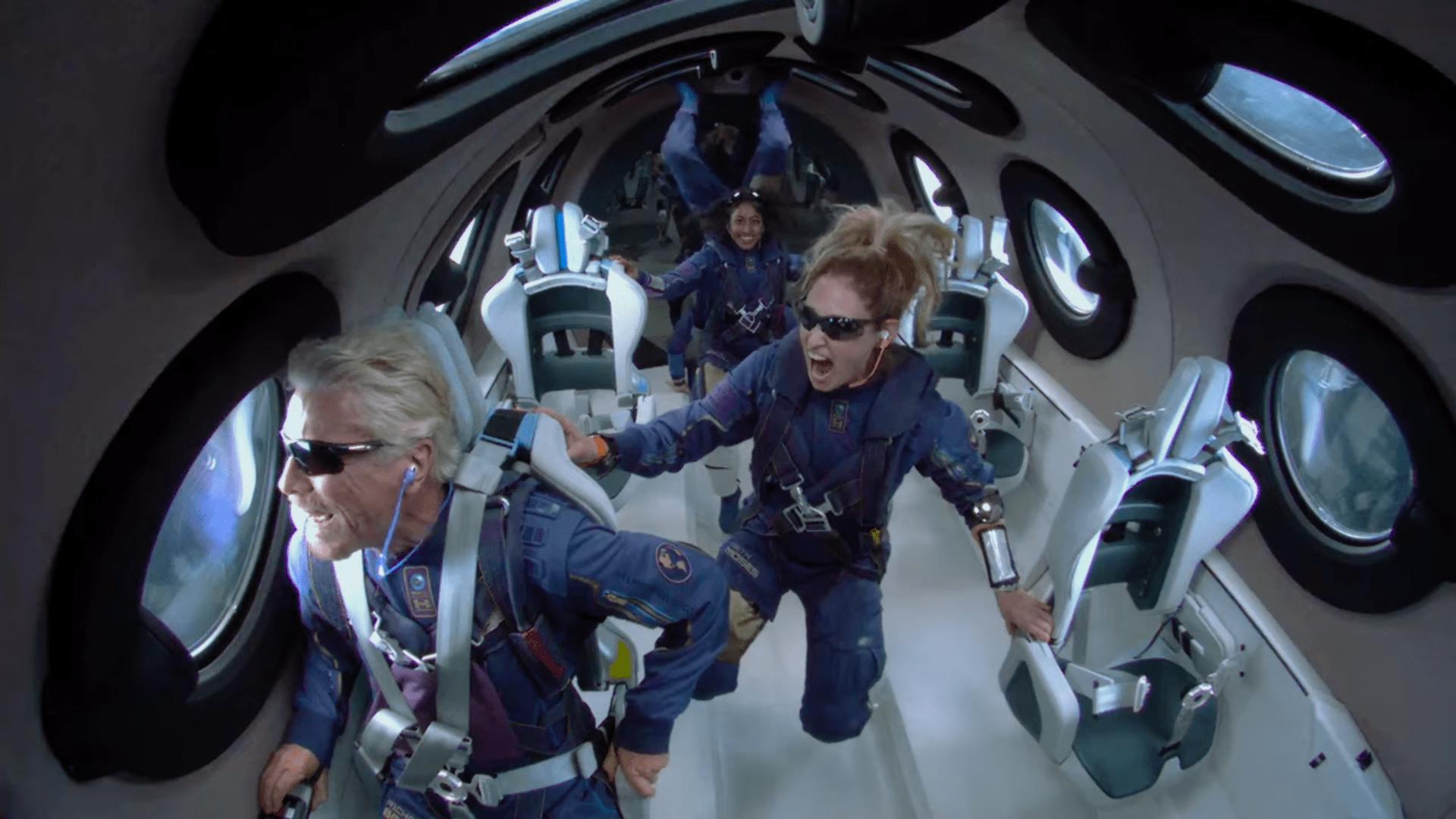 Video ► El millonario Richard Branson llegó al espacio en su propia nave y experimentó la gravedad cero