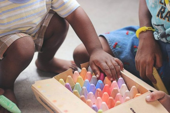 Juegos de mesa, actividades y planes con niños cuando llueve