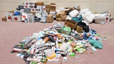 صورة شرطة دبي تضبط ٣,٥ طن بضائع مُخزنة في سكن عمالي قبل بيعها في أسواق عشوائية